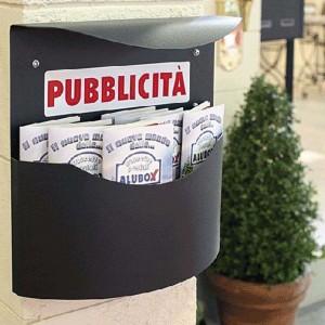 Cassetta porta pubblicità marsupio con tettoia antipioggia ALUBOX MARSUPIOGH
