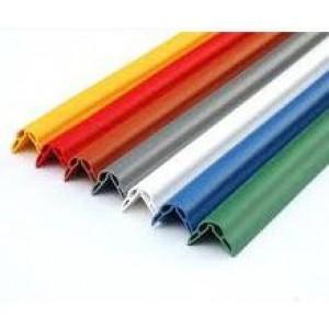 Paracolpo paraspigolo di colore  verde  Altezza h 200 cm   lato 35X35mm